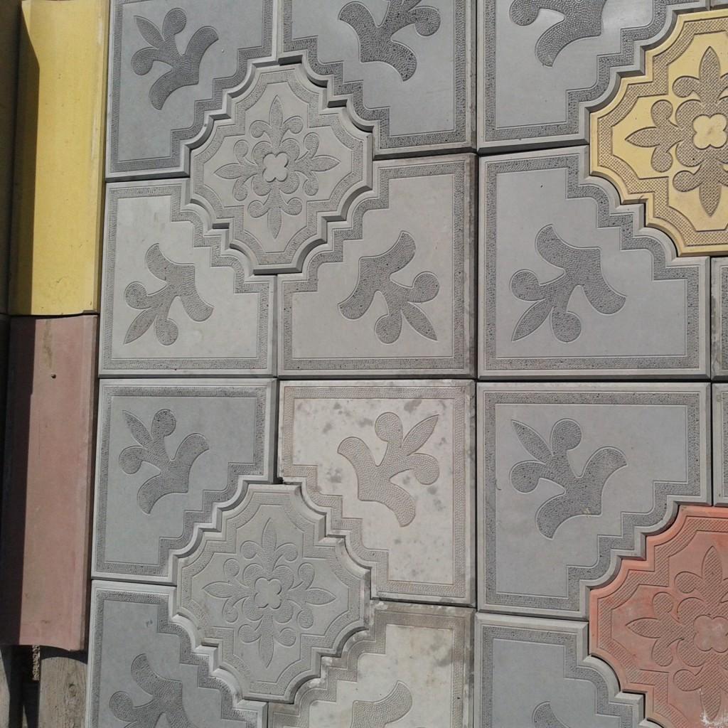 Укладка тротуарной плитки фото