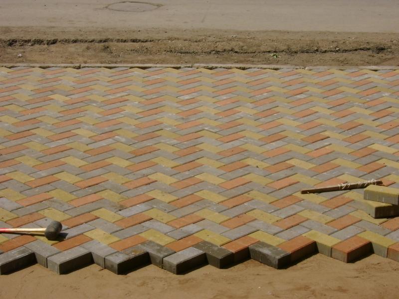 Укладка тротуарной плитки на