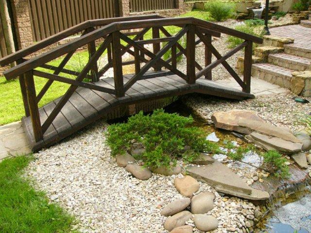 Садовые мостики из дерева