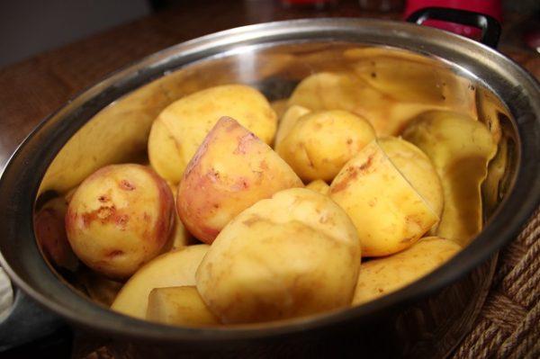 чищеный картофель